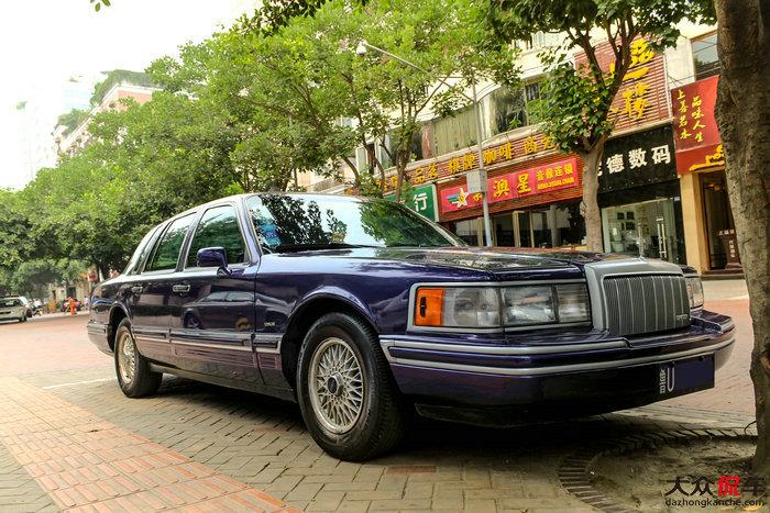 美式豪华轿车 紫色林肯town car